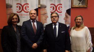 Carmen Moreo, tesorera de AFEZ, Francisco Ruiz Poza, presidente de AFEZ,Manuel Teruel, presidente de la Cámara de Comercio, Rosa Asensi, vocal de AFEZ,